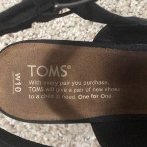 Toms Shoes - LIKE NEW Toms Heels!!